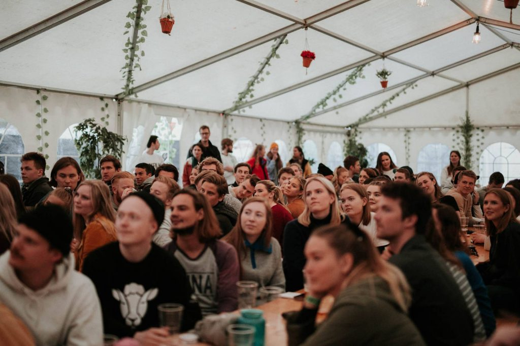 Dokfilm 2018 - publikum i teltet
