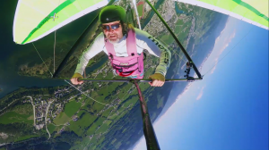 Luftballett - Man paragliding in the air